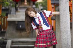 AKB48のCDを買えば、AKBメンバーとの握手券をプレゼント